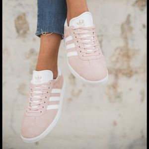 Adidas shoes 🌸